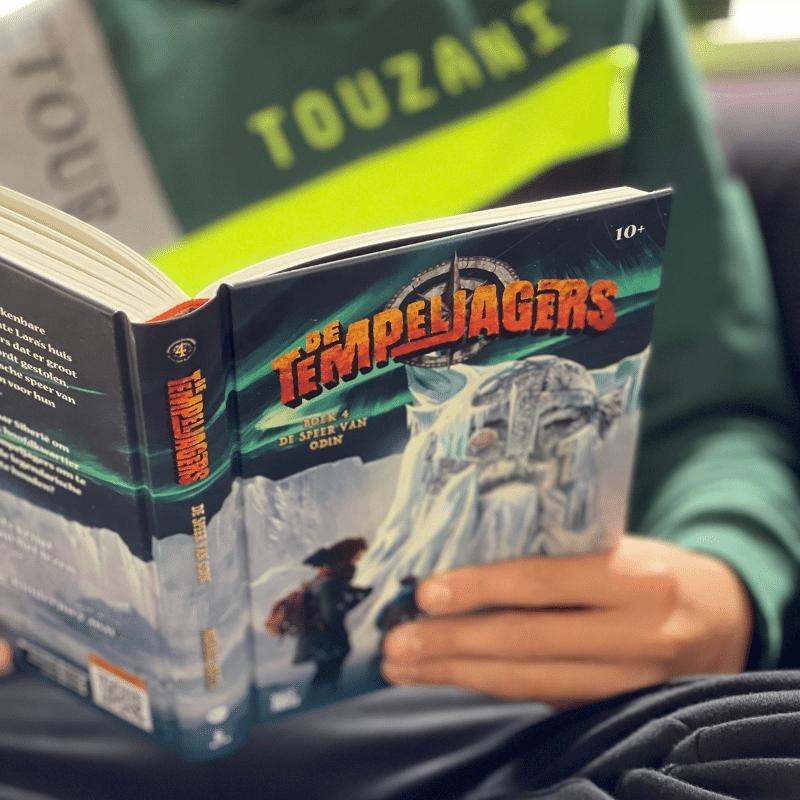 De Tempeljagers de speer van Odin, De Tempeljagers boek 4, De Tempeljagers deel 4, Micheal Reef, leuk jongensboek